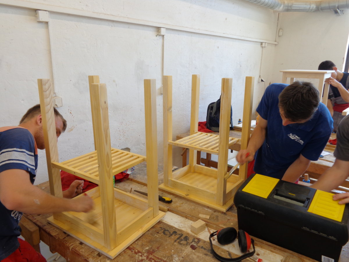 Výroba stolků